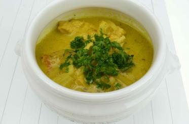 Curry-Ananas-Rahmsuppe